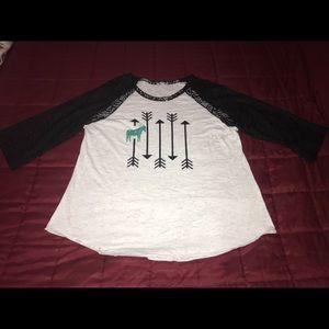 Tops - T-shirt w/lace 3/4 sleeves Fits Sz Lrg